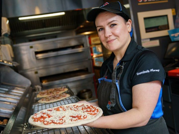 Domino's bids to recruit 8,000 delivery drivers